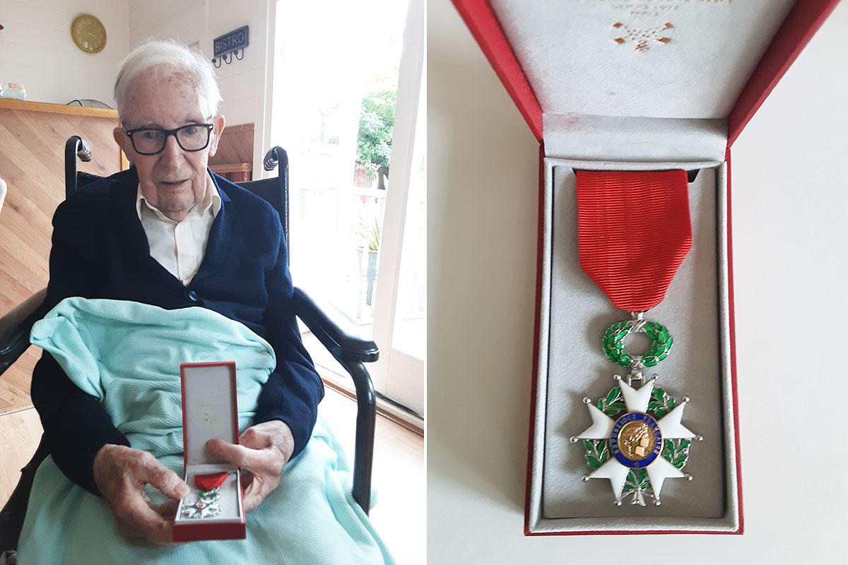 Gordon at Woodstock Residential Care Home awarded Légion D'Honneur medal